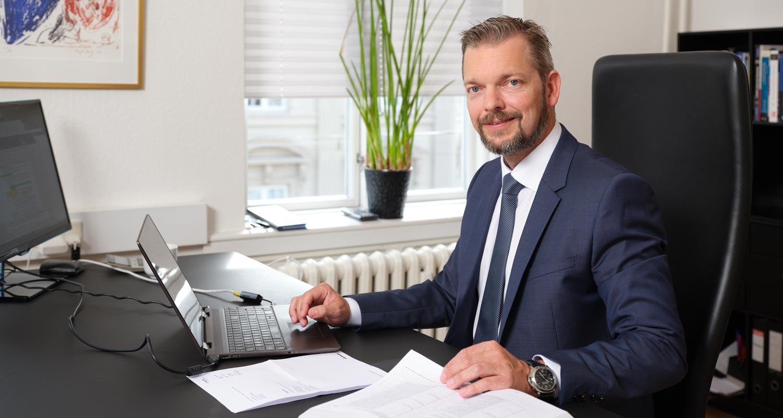 Revisor Christian Bækmark